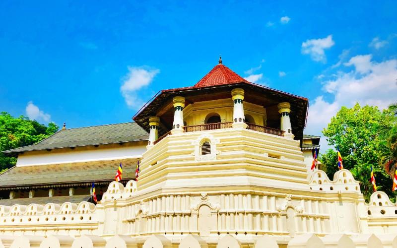 Jour 5 : Habarana – Sigiriya – Dambulla – Kandy